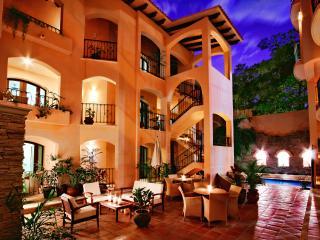 Acanto Hotel and Suites 1,2,3 bedroom Suites - Playa del Carmen vacation rentals