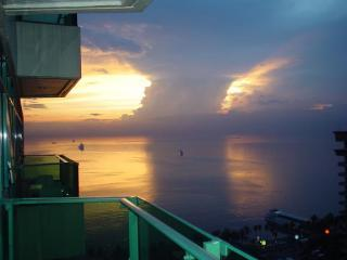Vacation Condo - Excellent view to Manila Bay - Manila vacation rentals
