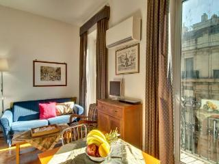 Studio Apartment Tritone at the Spanish Steps - Rome vacation rentals