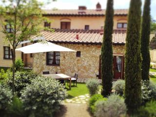 Tuscany Villas La Casetta del Borgo San Gimignano - San Gimignano vacation rentals