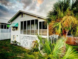My Beach House, Beachside of street,10P,Pet OK, WF - Tybee Island vacation rentals