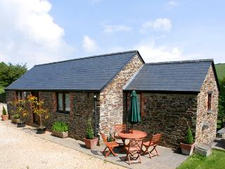 BADGER COTTAGE, pet friendly, character holiday cottage, with a garden in St Issey Near Padstow, Ref 1037 - Saint Issey vacation rentals