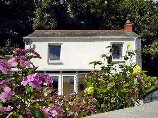COACHMAN'S COTTAGE, family friendly, with open fire in Pentewan, Ref 3628 - Pentewan vacation rentals