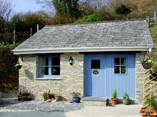 KINGFISHER COTTAGE, country holiday cottage, with a garden in Pentewan, Ref 2957 - Truro vacation rentals