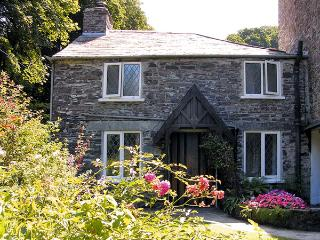MILL COTTAGE, character holiday cottage, with a garden in Tintagel, Ref 981 - Delabole vacation rentals