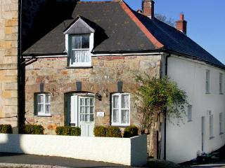 THE WEDGE , family friendly, country holiday cottage, with a garden in Mitchell, Ref 1670 - Penhallow vacation rentals