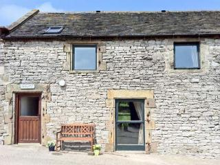 BLUEBIRD COTTAGE, family friendly, country holiday cottage, with a garden in Parwich, Ref 3517 - Eyam vacation rentals