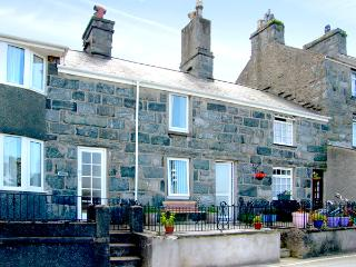 BODLONDEB, family friendly, character holiday cottage, with open fire in Harlech, Ref 2234 - Pwllheli vacation rentals