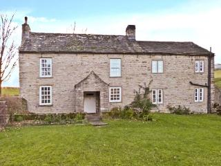 COWSTONEGILL, character holiday cottage, with a garden in West Burton, Ref 1183 - West Burton vacation rentals