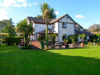DOMECILIA, family friendly, with pool in Cosheston, Ref 2836 - Milford Haven vacation rentals