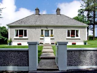 GORTNA GLOSS, family friendly, country holiday cottage in Templeglantine Near Abbeyfeale, County Limerick, Ref 2635 - Castleisland vacation rentals