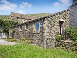 HEATH COTTAGE, romantic, character holiday cottage, with a garden in Edale, Ref 611 - Peak District vacation rentals