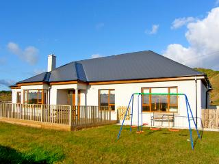 HEATHER HILL , family friendly, luxury holiday cottage, with a garden in Blackwater, County Wexford, Ref 2705 - Rosslare Harbour vacation rentals