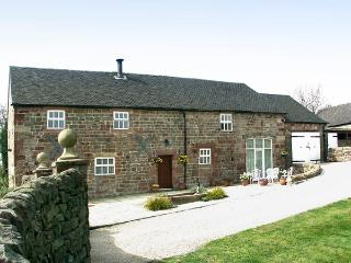 MEADOW PLACE, pet friendly, character holiday cottage, with a garden in Ipstones, Ref 767 - Alstonefield vacation rentals