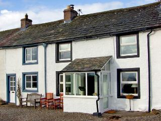 MELL FELL VIEW, romantic, country holiday cottage, with open fire in Penruddock, Ref 2847 - Mungrisdale vacation rentals