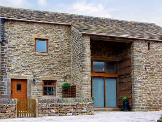 MIDFEATHER COTTAGE, character holiday cottage, with a garden in Edale, Ref 2064 - Peak District vacation rentals