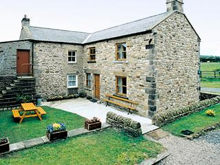 MOORGAIR COTTAGE, family friendly, character holiday cottage, with a garden in Hexham, Ref 705 - Alston vacation rentals