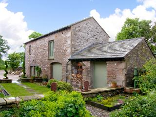 PICKLE BARN, family friendly, luxury holiday cottage, with a garden in Hutton Roof, Ref 2198 - Bentham vacation rentals