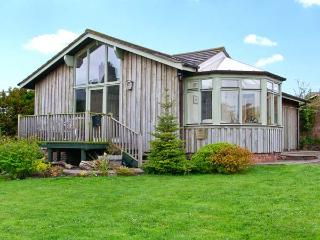SEA VIEW LODGE, family friendly, country holiday cottage, with a garden in Warkworth, Ref 1134 - Craster vacation rentals