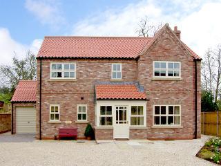 SLEEPY HOLLOW, luxury holiday cottage, with a garden in Husthwaite, Ref 2471 - Husthwaite vacation rentals