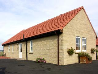 CHARLOTTE'S STABLE, country holiday cottage in Longframlington Near Alnwick, Ref 1922 - Longframlington vacation rentals
