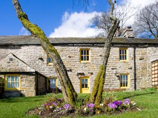 STOUPHILL GATE COTTAGE, family friendly, character holiday cottage, with a garden in Ravenstonedale, Ref 1736 - Ravenstonedale vacation rentals