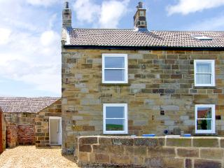 STREET HOUSE COTTAGE, pet friendly, character holiday cottage in Staithes, Ref 2311 - North Yorkshire vacation rentals
