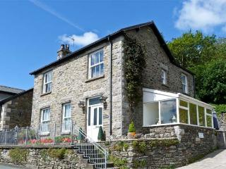 BRIARCLIFFE COTTAGE, family friendly, luxuryholiday cottage, with a garden in Lindale, Ref 2043 - Greenodd vacation rentals
