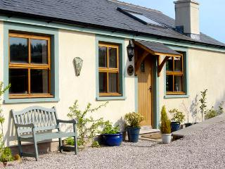 SUNNY HILL, romantic, character holiday cottage, with open fire in Great Strickland, Ref 2423 - Pooley Bridge vacation rentals