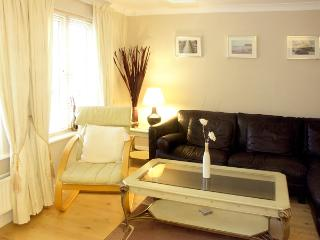 THE SHIPWRIGHTS, family friendly, with a garden in Whitby, Ref 1961 - Sleights vacation rentals