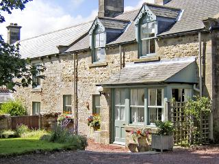 TOWNFOOT COTTAGE, family friendly, character holiday cottage, with a garden in Elsdon Near Otterburn, Ref 866 - Rothbury vacation rentals