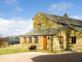 USHERWOODS DAIRY, pet friendly, luxury holiday cottage, with a garden in Tatham Near Bentham, Ref 1963 - Forest of Bowland vacation rentals