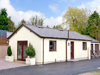 STATION COTTAGE, country holiday cottage, with a garden in Bodfari, Ref 2467 - Denbighshire vacation rentals