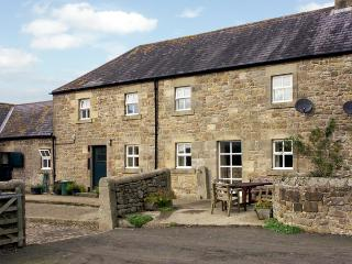 THE STABLES, pet friendly, country holiday cottage, with a garden in Bellingham, Ref 1530 - Rothbury vacation rentals