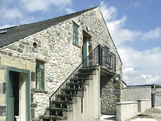 THE NEST, pet friendly, country holiday cottage, with a garden in Buxton, Ref 951 - Derbyshire vacation rentals