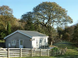 Y BWTHYN, family friendly, country holiday cottage, with a garden in Bont Newydd, Ref 1472 - Bontnewydd vacation rentals