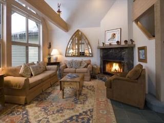 Snowgoose 11 | Ski Home Access, Vaulted Ceiling, Secure Parking, Fireplace - Whistler vacation rentals