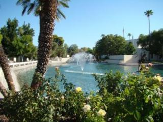 Scottsdale Civic Centre a short strole away - Luxurious, Upscale Scottsdale Condo - Scottsdale - rentals
