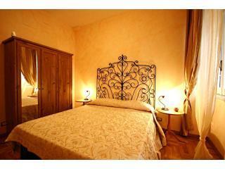 Master Bedroom - Alex's House 2009  Elegant apt  Vatican City, Rome - Rome - rentals