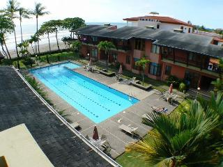 Oceanview Beachfront Penthouse Condo, Large Patio, King+Queen bed, Best Value - Jaco vacation rentals