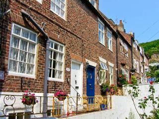 LAVENDER COTTAGE, pet friendly, character holiday cottage in Whitby, Ref 3614 - Whitby vacation rentals