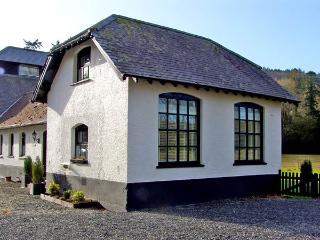 CHESTNUT COTTAGE, family friendly, luxury holiday cottage, with a garden in Aberystwyth, Ref 2846 - Tregaron vacation rentals