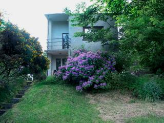 CREAG HASTIN, pet friendly, with a garden in Gairloch, Ref 1128 - Poolewe vacation rentals