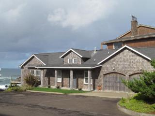 Beach Dream~ Ocean Front - Depoe Bay vacation rentals
