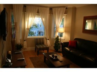 Close to Dwntwn!Quiet street - Chicago vacation rentals