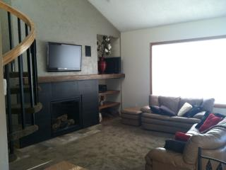 Snowblaze, 3 bedroom, 3 bath with athletic club - Nederland vacation rentals