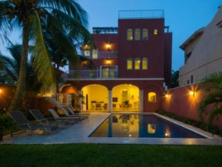 Summer Place Inn sleeps from 1 to 16 persons. - Cozumel vacation rentals