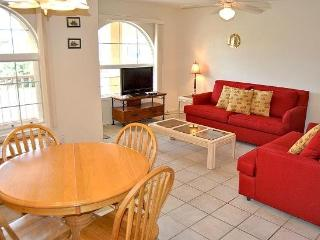 La Perla 4-B spacious condo features a large kitchen and breakfast bar area, Pool, and a short walk to the beach. - Texas Gulf Coast Region vacation rentals