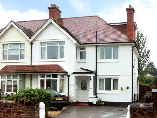 WESTWOOD, pet-friendly, WiFi, country holiday cottage, with a garden in Minehead, Ref 2208 - Minehead vacation rentals