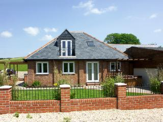 THE COACH HOUSE, family friendly, character holiday cottage, with a garden in Charminster Near Dorchester, Ref 1440 - Charminster vacation rentals